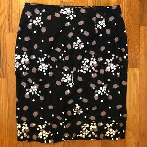 LOFT flowered pencil skirt- New with tags! Size 10